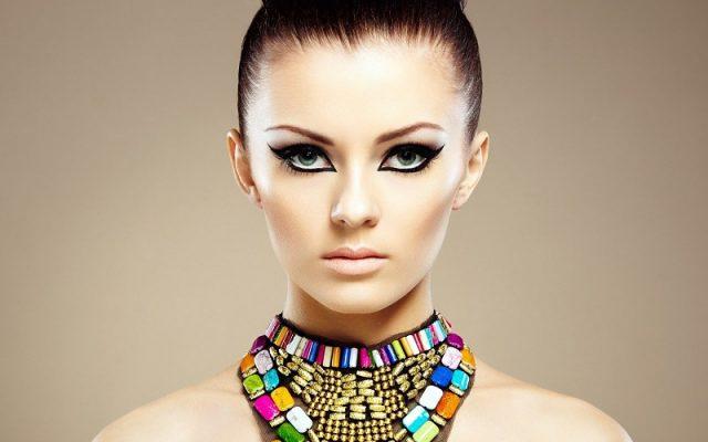 رنگ های مختلف جواهرات