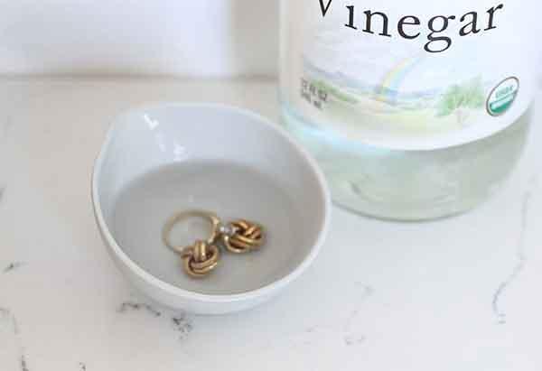 تمیز کردن طلا با استفاده از سرکه در خانه