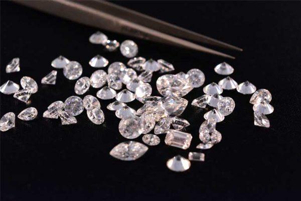 نحوه تشخیص الماس اصل از تقلبی و بدل